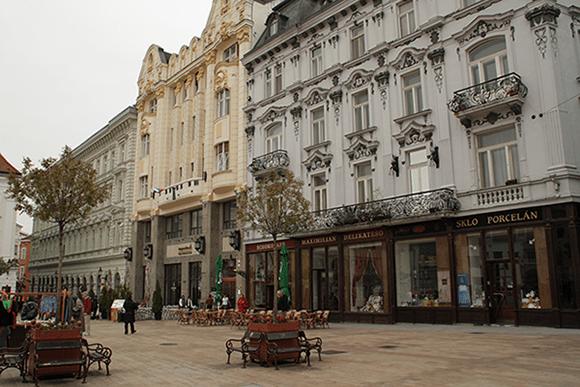Hlavne Namesti, Bratislava