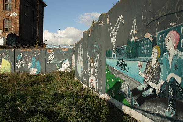 Des graffiti près du chantier